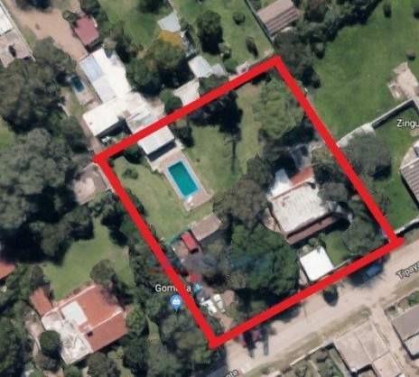 Imagen 1 de 12 de Vendo Amplio Terreno Con Dos Casas Arguello