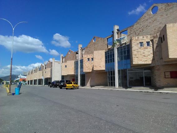 Local En Alquiler Ctro Comercial Villas Del Este 04141291645
