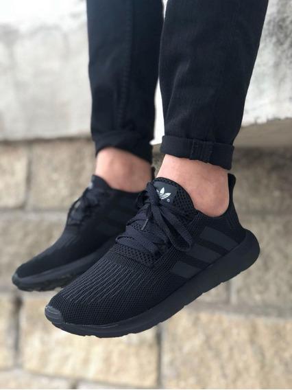Zapatos Deportivos adidas Swift Run Caballero Negro Blanco