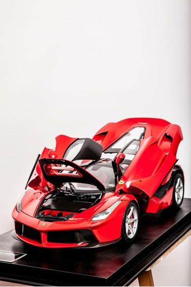 Ferrari Laferrari Escala