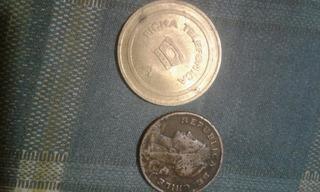 Moneda Chilena 2 1/2 Cent Y Ficha Telefonica Española