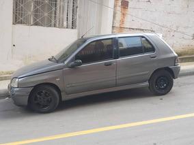 Renault Clio Modelo 2000