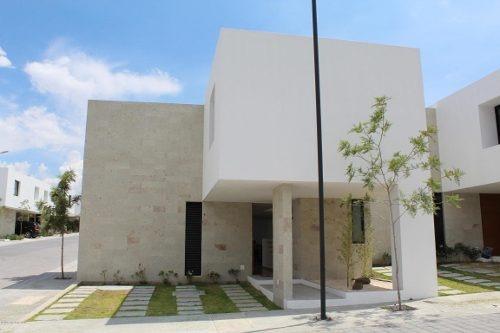 Casa En Venta En Altos De Juriquilla, Queretaro, Rah-mx-20-29