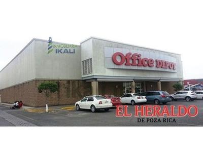 Renta Local Comercial Plaza Gran Patio 1504.26 M² Poza Rica Veracruz México. Ubicados En Plaza Gran Patio En Poza Rica Veracruz Dentro Del Estacionamiento. Cuenta Con 40 Metros De Frente En Total Cue