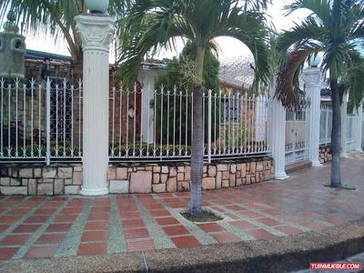 Lujosa Quinta En La Urb. Fundación Mendoza, Maracay