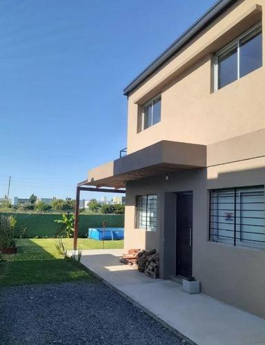 Casa Venta 2 Dormitorios 2 Baños 1 Cochera 250 Mts 2 Totales  - Manuel B Gonnet