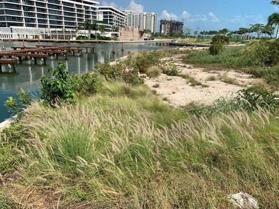Venta De Terreno Ubicado En Puerto Cancún / Land For Sale Located In Puerto Cancun
