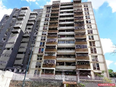 Apartamentos En Venta 17-15392