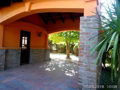 Solymar, 4 Dormitorios, Dos Baños, Dos Plantas. Impecable.