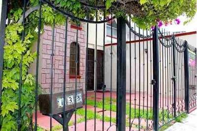 Casa 2 Plantas Excelente Ubicación En Fraccionamiento Valle De San Javier 1a Sección En Pachuca Hidalgo, Segura, Céntrica, Con Todos Los Servicios A Solo Unos Minutos