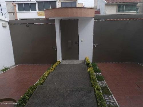 Casa En Venta En Ciudad Satelite, Naucalpan De Juarez, Rah-mx-20-906