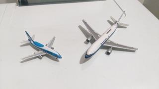 Lote De 2 Miniaturas Aeroclassics 1/400 Com Defeitos