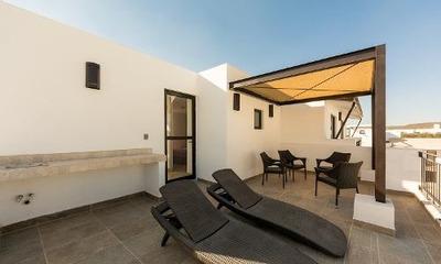 Preciosa Casa En El Refugio, Alberca, 3 Recamaras, Terraza..