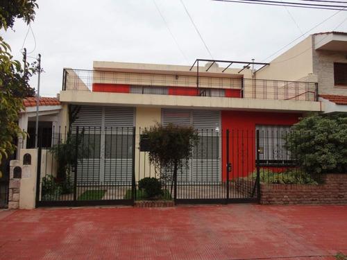 Juniors-exc.ubic-patio-piscina-cochex2-3 Baños-alquilada