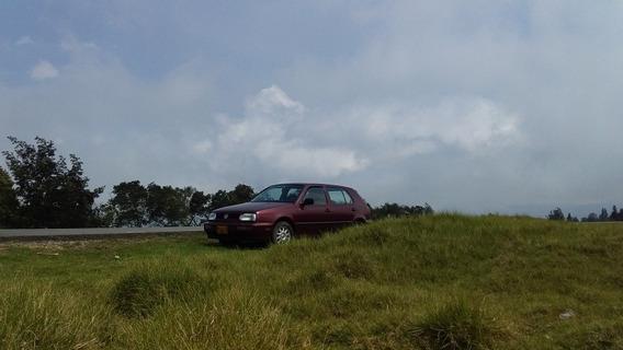 Volkswagen Golf Automovil