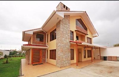 Hermosa Casa 2 Departamentos + Casa Posterior; Venta Directa