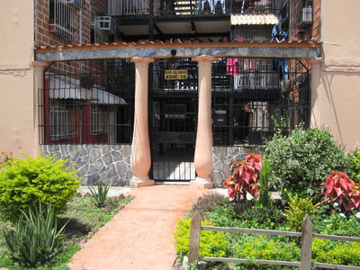 Venta De Oportunidad Apartamento De 42mts2 En Maracay.gbf