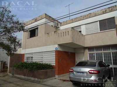 Casa En Venta En La Plata Calle 23 E/ 49 Y 50 Dacal Bienes Raices