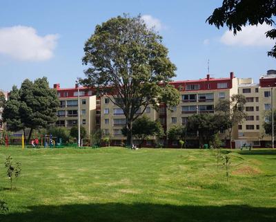 Apartamento Remodelado, 3 Alcobas, Estudio, Perfecto Estado