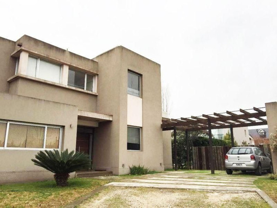 Venta De Excelente Casa Minimalista En Altos Del Sol