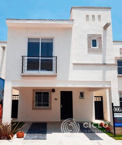 Casa En Zona Norte 3 Recamaras Sala De Tv Con Alberca