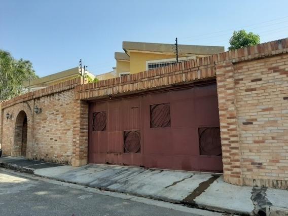 Venta De Acogedora Casa En Prebo Calle Cerrada