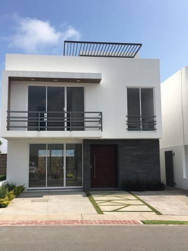Gps/ Casa En Venta En San Isidro Juriquilla, Qro