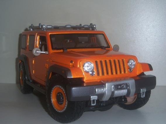 Miniatura Carro Jeep Rescue Concept - Esc.1:18 - Maisto