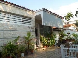 Casas En Venta Trigal Centro Valencia Carabobo 19-9300 Jcs