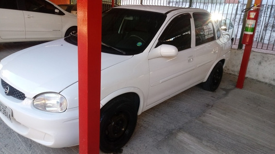 Chevrolet Corsa Sedan 1.0 Super Milenium 4p 2002