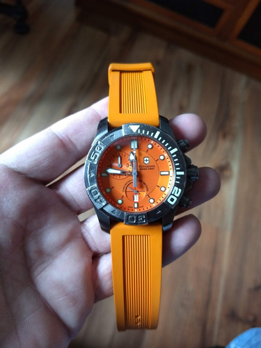Relógio Victorinox Dive Master 500 Chrono 241423
