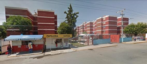 Departamento En Remate En U. Hab. San Rafael, Coacalco
