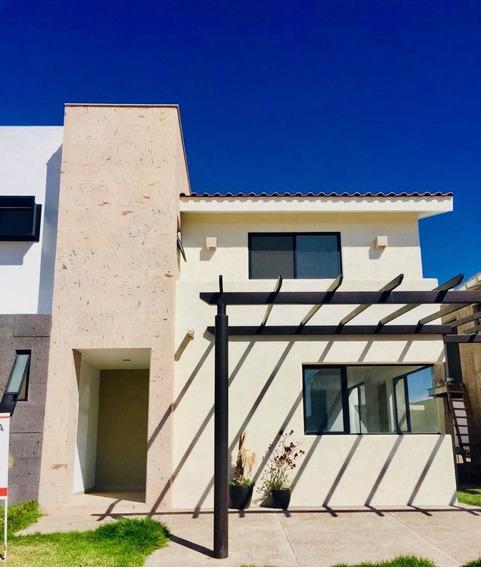 Casa En Renta Con Paneles Solares En Residencial Las Plazas.