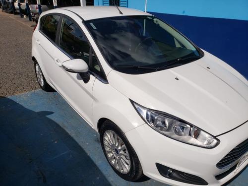 New Fiesta Hatch 2014 Titanium (automático)