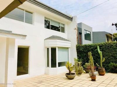 Casa En Renta En Lomas De Bezares, Miguel Hidalgo, Rah-mx-19-2073