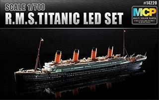 Academy 14220 1700 Rms Titanic Led Set