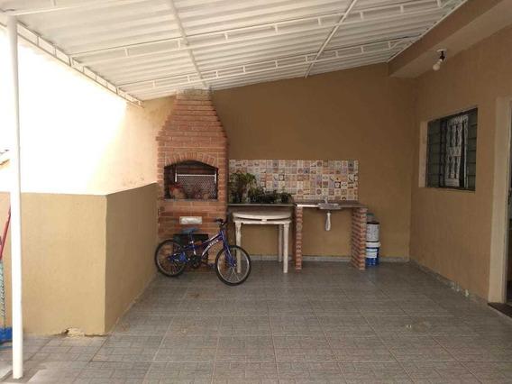Sobrado 2 Quartos 2 Banheiros Sala Cozinha E Quintal Grande.