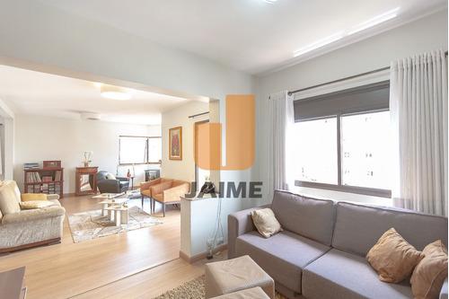 Apartamento Padrão Com 3 Suites De 3 Vagas. - Pe1872