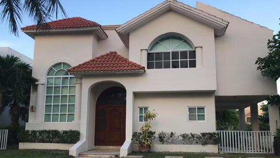 Se Renta Hermosa Casa Residencial En Cancún