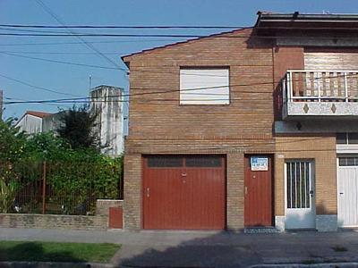 En Alquiler Tipo Casa P.alta 3 Ambientes Zona Barrio Aeronautico!! F: 837