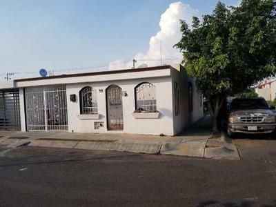Casa En Venta En Villas Del Valle
