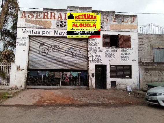 Alquiler / Villa Luzuriaga : Galpón Parabólico