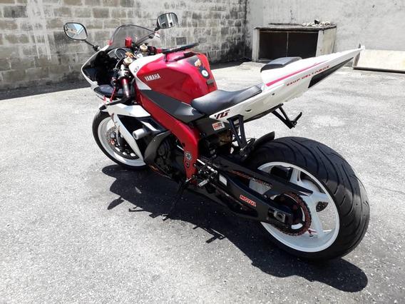 Yamaha R1 2.004 Nueva Modificada