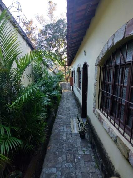 São João Batista Casa 2 Quartos Com 2 Vagas De Garagem E Área Privativa - 3020