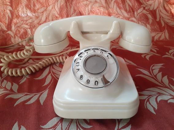 Teléfono Blanco De Baquelita Antiguo.
