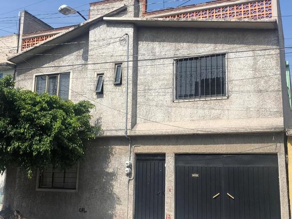 Casa De 7 Recamaras Y 4 Baños (2 Departamentos)