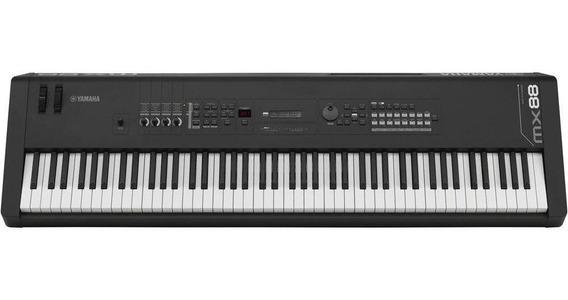 Teclado Yamaha Sintetizador Mx88 Bk 88 Teclas Preto