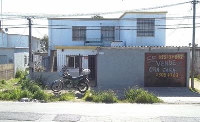 Casa De 2 Pisos,2 Patios,8 Ambientes,garaje,venta O Permuta.