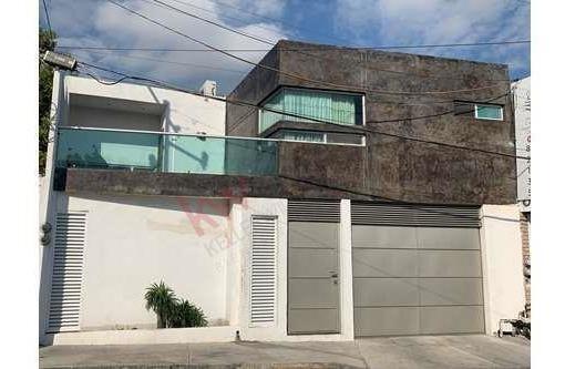 Renta De Casa Col. Del Lago 1 Sector En San Nicolas De Los Garza