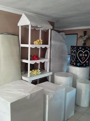 Alquiler De Muebles Especiales Para Eventos (la Carreta)